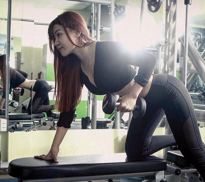 2 hot gymer đều khẳng định Angela Phương Trinh dạy giảm mỡ màng eo sai hoàn toàn! - 2