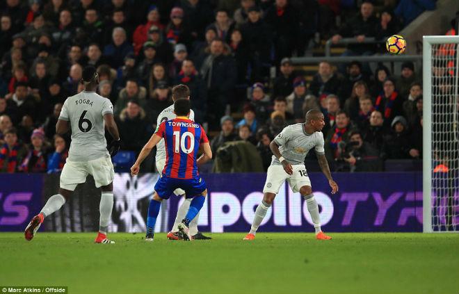 """Góc chiến thuật C.Palace – MU: Mourinho nổi giận, """"Quỷ đỏ"""" tung hoành - 1"""