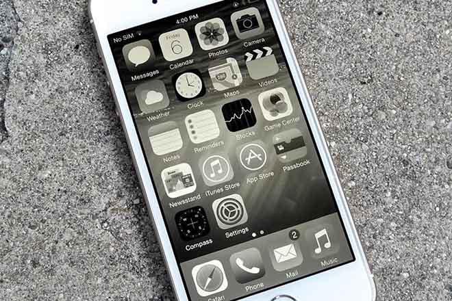Sinh hòn biểu tình phản đối iPhone hạng Apple vì hoi ghiền - 2