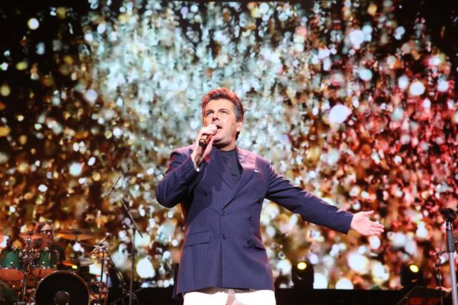 Giọng ca Modern Talking khiến 4.000 khán giả vờ Hà Nội nhũn nhặn khiêu vũ - 3