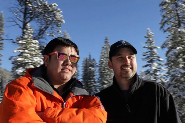 Chuyện lạ: Hai chàng trai đút túi hàng tỷ đồng nhờ bán... không khí - 1