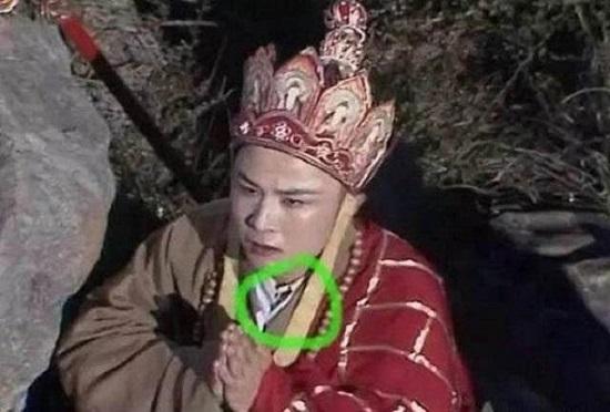 """""""Thánh soi"""" nhặt lỗi ngớ ngẩn trong phim Trung Quốc - 4"""