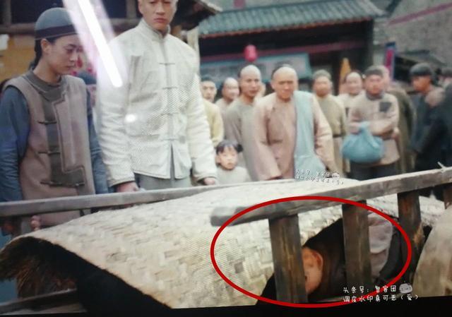 """""""Thánh soi"""" nhặt lỗi ngớ ngẩn trong phim Trung Quốc - 5"""