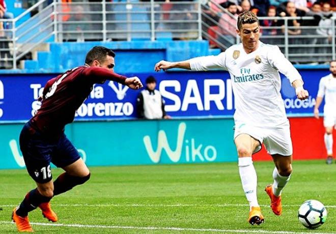 """Tiêu điểm vòng 28 La Liga: Ronaldo, tiếng gầm của """"Vua sư tử"""" - 1"""