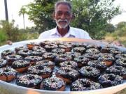 Cách làm bánh của cụ ông này có gì đặc sắc mà hút tới hơn 5 triệu view?