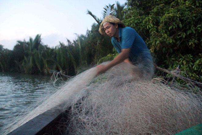 """Theo chân thợ săn cá """"khủng"""", từng 2 lần được lộc trời ban ở Sài Gòn - 16"""