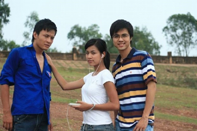 Hoàng Thùy Linh là một diễn viên truyền hình được yêu thích nhờ bộ phim Nhật ký Vàng Anh (2007). Thời điểm đó, cô ghi dấu ấn với lối diễn tự nhiên về nhân vật Vàng Anh có tính cách thẳng thắn, được bạn bè quý mến.