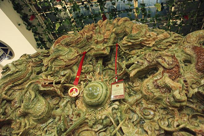 Chiêm ngưỡng bức tranh 9 rồng bằng ngọc nguyên khối lớn nhất châu Á - 3