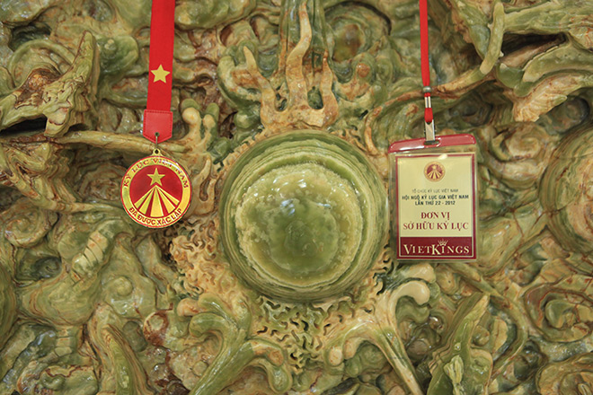 Chiêm ngưỡng bức tranh 9 rồng bằng ngọc nguyên khối lớn nhất châu Á - 4