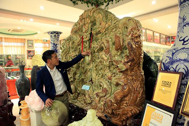 Chiêm ngưỡng bức tranh 9 rồng bằng ngọc nguyên khối lớn nhất châu Á - 10
