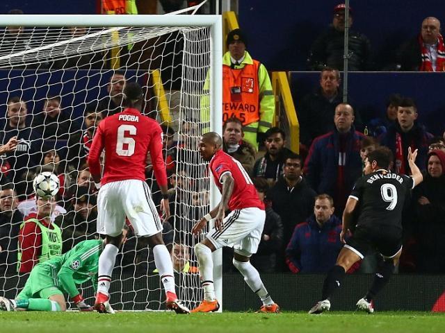 """MU mất mặt ở cúp C1: Mourinho """"nhút nhát"""" vẫn vòi thêm tiền"""