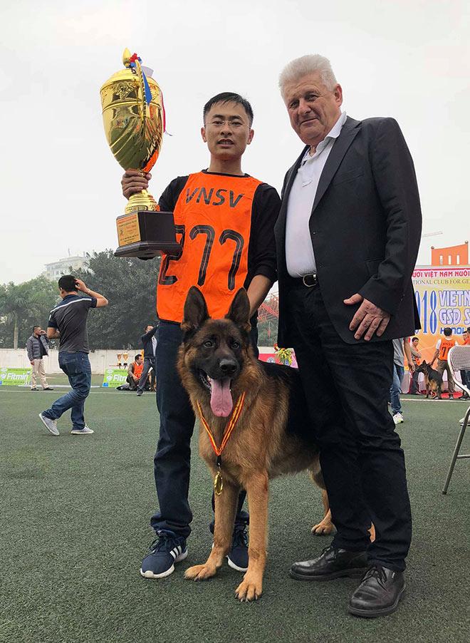 Chó cảnh đua tài, sắc cùng chó nghiệp vụ ở Hà Nội - 15