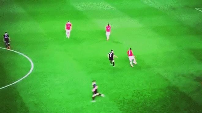 """MU bật bãi Cúp C1: Pogba bị tố """"làm phản"""", Mourinho nói gì? - 2"""