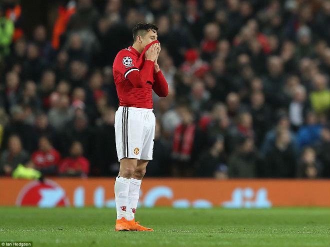 """MU mất mặt ở cúp C1: Mourinho """"nhút nhát"""" vẫn vòi thêm tiền - 3"""