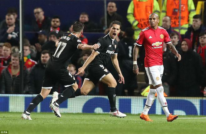 MU bị loại Cúp C1: Báo chí Anh cay nghiệt mắng Mourinho hèn nhát - 1