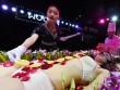 Mẫu nude bàn tiệc sushi kể về sự cố xấu hổ khi gặp khách ăn chay