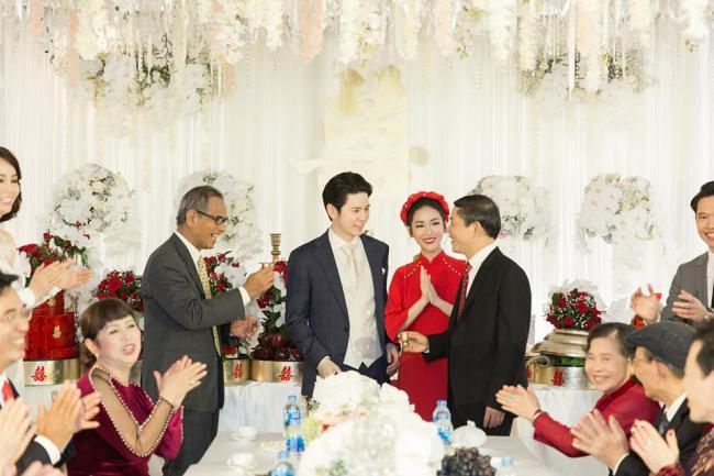 Tình cũ Trấn Thành công khai loạt ảnh đính hôn chồng trẻ kém 4 tuổi - 4