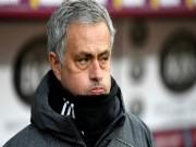 Tin HOT bóng đá tối 15/3: Mourinho hành động bất ngờ, Sevilla bị sốc