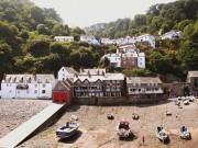 Những ngôi làng nhỏ cổ kính siêu hút khách du lịch ở Anh