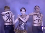 """Sợ khán giả bội thực, Tóc Tiên đã  """" kìm hãm """"  sự sexy như thế nào?"""