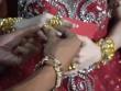 Đám cưới đeo vàng đến trĩu cổ, kín hai tay ở Cà Mau gây sốt