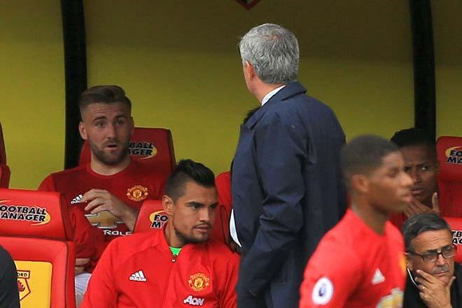 MU lạc lối: Báo chí vạch 10 tội Mourinho, xứng đáng bị sa thải