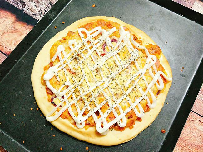 Không ngờ pizza lại dễ làm thế này, cuối tuần rảnh rỗi trổ tài ngay thôi - 1