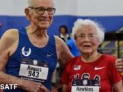 """Tin thể thao HOT 19/3: Cụ ông - cụ bà  """" 202 tuổi """"  gây choáng điền kinh thế giới"""