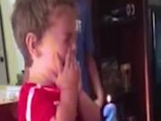 Bé trai 2 tuổi khóc nức nở vì không muốn già thêm 1 tuổi
