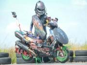Kymco Racing 150 hóa chiến binh săn người ngoài hành tinh