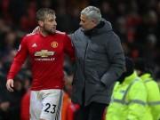 """Phòng thay đồ MU chực  """" nổ tung """" : Sếp sòng cảnh báo Mourinho"""