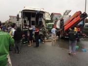 Vụ xe khách húc bay xe cứu hỏa: Công an về tận nhà làm việc với tài xế xe khách