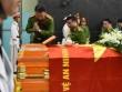 Đồng đội, người thân khóc nghẹn trong đám tang chiến sĩ cảnh sát PCCC