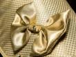 Thú cưng của hội siêu giàu: Áo khoác dát vàng, đính kim cương, giá hàng chục tỷ đồng