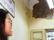 Rợn người nhìn những hiểm hoạ trên đầu học sinh trường Trần Nhân Tông