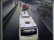 Có nên cấm xe ưu tiên đi ngược chiều trên cao tốc?