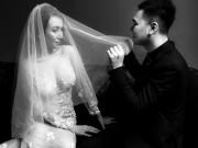 Khắc Việt khoe ảnh cưới bên cô dâu DJ nóng bỏng