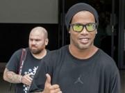 Ronaldinho tròn 38 tuổi:  Phù thủy  nuôi mộng làm Tổng thống Brazil?