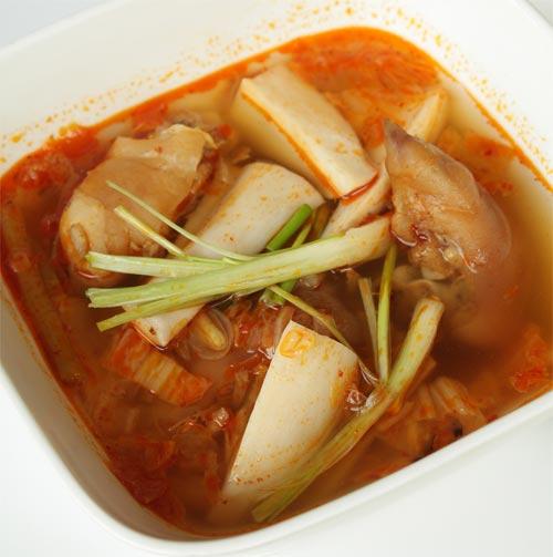 Giò heo nấu nấm đùi gà - 1