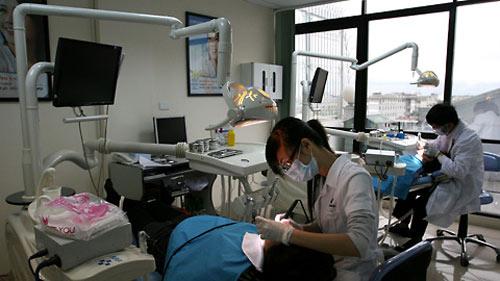 Bệnh răng miệng là căn bệnh phổ biến ở mọi lứa tuổi - 1