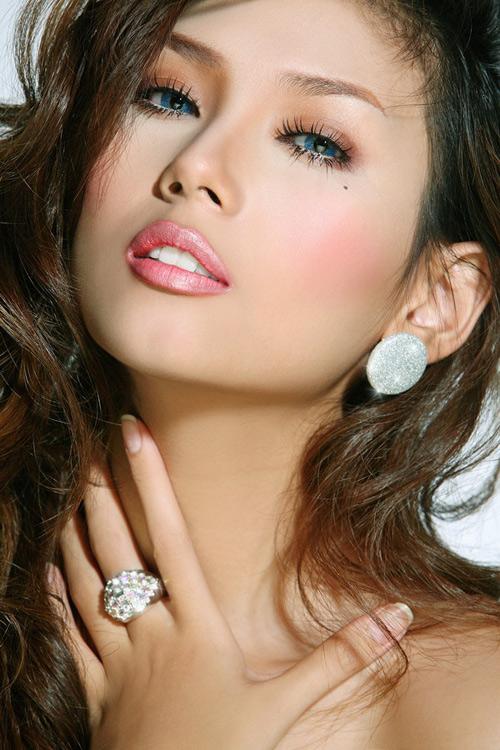 Hoàng Yến là một trong số ít những người đẹp Việt