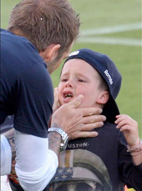Beckham làm gì khi không chơi bóng? - 5