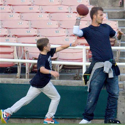 Beckham làm gì khi không chơi bóng? - 6