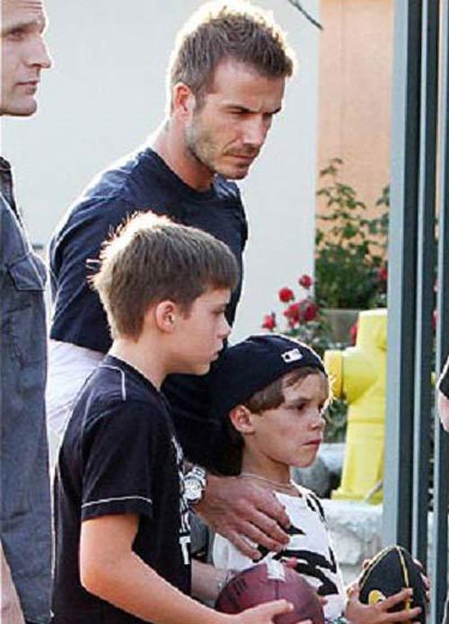 Beckham làm gì khi không chơi bóng? - 3
