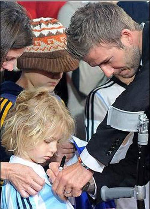 Beckham làm gì khi không chơi bóng? - 2