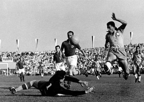 World cup 1954: Nỗi buồn Hungary (Những hình ảnh ấn tượng nhất tại những kỳ World Cup – P5) - 2