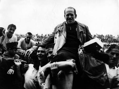 World cup 1954: Nỗi buồn Hungary (Những hình ảnh ấn tượng nhất tại những kỳ World Cup – P5) - 7