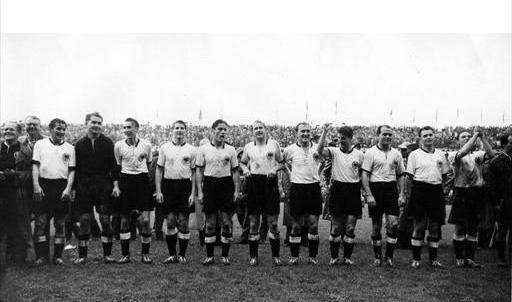World cup 1954: Nỗi buồn Hungary (Những hình ảnh ấn tượng nhất tại những kỳ World Cup – P5) - 6