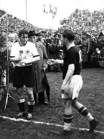World cup 1954: Nỗi buồn Hungary (Những hình ảnh ấn tượng nhất tại những kỳ World Cup – P5) - 8