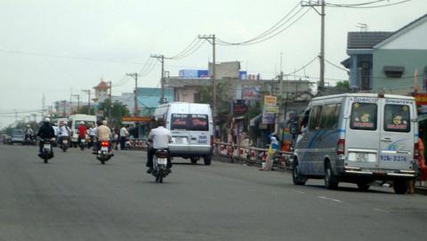 Bát nháo giao thông cửa ngõ Đà Nẵng - 1